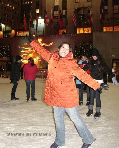 patinando_en_el_rockefeller_center_zpsdf56e352