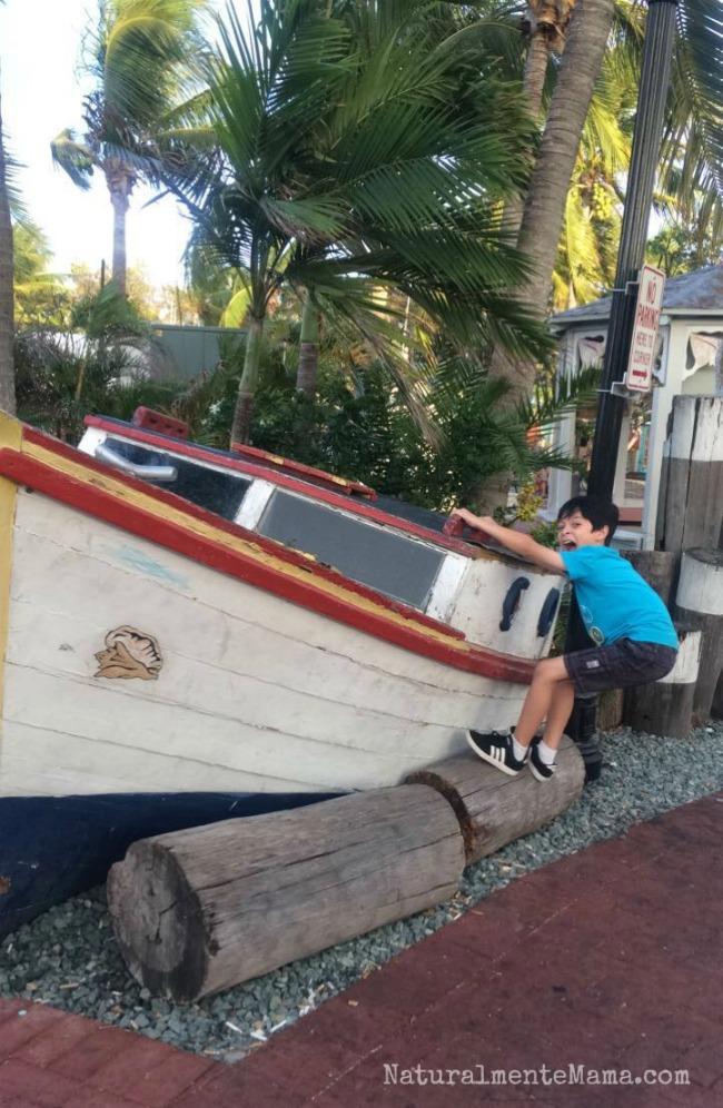 #MiércolesMudo ~ Navegando en Key West